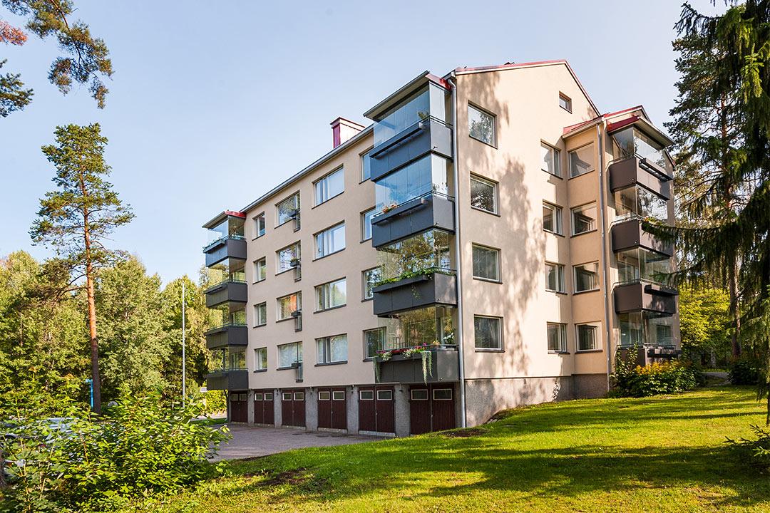 Ulvilantie 21, Helsinki - Saneeraus 10 - Referenss